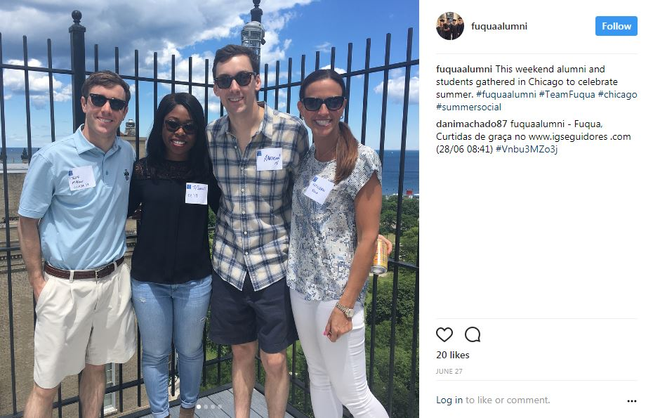 Fuqua connects at a Chicago summer social hosted by alumni volunteer Rob Khoury MBA '97